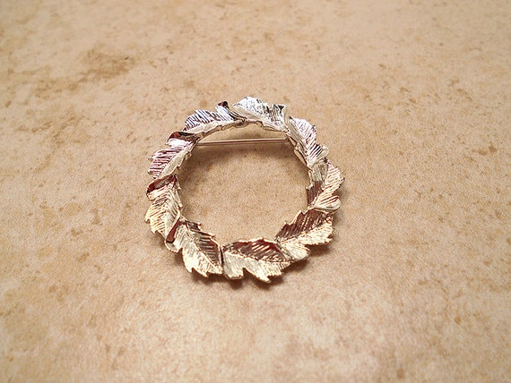 Vintage Leaf Wreath Brooch Pin Silver Tone Gerrys Fall Autumn Christmas Retro
