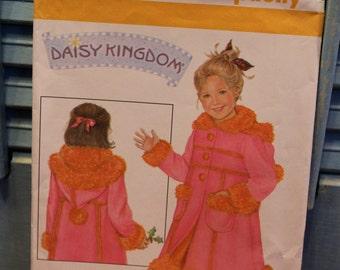 Simplicity Pattern 4515 Daisy Kingdom