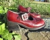 1990s Leather Maryjanes by Zodiac Heels VeryDeep Red / Burgundy  // 6.5 US W SIZE 7