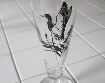 Vintage Mallard Design Stemmed Pilsner Glasses - Set of Two 1950's