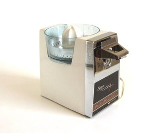 Oster Touch A Matic Electric Can Opener Juicer 576-01A for Replacement Parts (AS-IS, non-working) 1960s Turquoise Kitchen Appliances