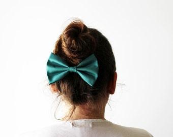 Teal hair bow clip, Teal hairbow barrette, Cute teal hair bow, Girl's hair bow clip, Cheerleaders hair bow, Hair accessory, Teal fascinator