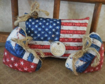 Primitive Patriotic Bowl Filler Ornies Flag & Heart Set 3 Americana Tucks
