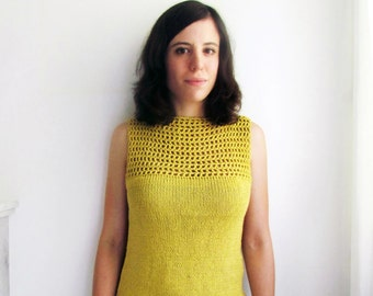 Yellow handknit top with lace crochet panel, Size S