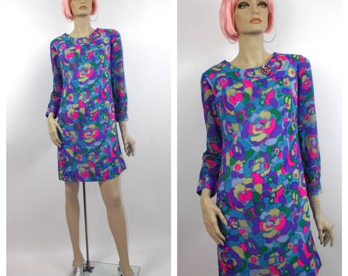 1960's Mod Abstract Print Mini Dress // Vibrant Print Mini // Late 60's Summer Dress // Size 6 to 8
