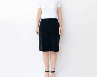 Vintage black velvet 90s high waist pencil skirt