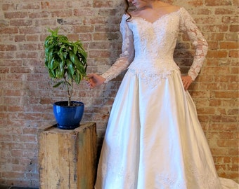 Vintage Silk Wedding Dress - Mon Cherie - White Wedding Gown - Train - Bustle - Low Back - Vintage - V back - Pearl Beads - Victorian Style