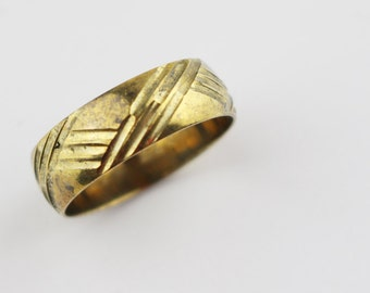 Vintage Brass Costume Ring Ladies Ring with Etched Geometric Line Cut Surface Design US Size 9  UK size R 1/2