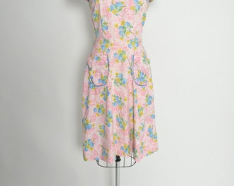 Vintage 1940s 40s Cotton Floral Summer Dress Sundress with Matching Capelet Bolero and Ric Rac Size Medium