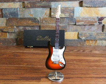 Personalized Electric Guitar - Music Gift- Instrument- Gifts for men or women- Band- Rock and Roll(CGE18BR)