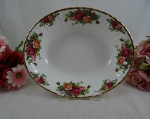 Gorgeous Vintage Royal Albert Old Country Roses Oval Vegetable Bowl or DIsh