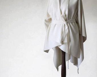 Cashmere poncho, women's poncho, ecru poncho, ecru coat, women's coat, wool coat, women's cape, women's jacket, wool poncho, wool jacket