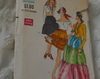 Vintage Vogue 7651  Misses Skirt in Three Lengths  Sewng Pattern - UNCUT -  Waist 24  Hip 34 1/2