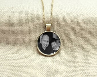 Custom Photo Necklace, Picture necklace, Photo jewelry, Personalized necklace