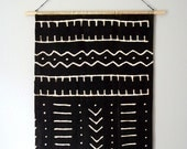 Mud Cloth Wall Hanging . Geometric Woven Tapestry . Black White Modern Wall Art . Weaving . Vintage MudCloth Wall Decor . Mid Century