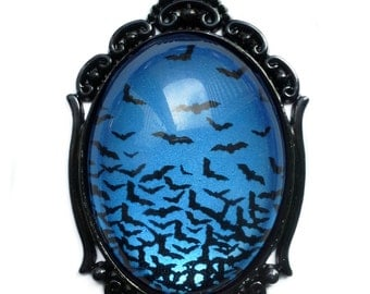 Flying Bats Necklace - Sapphire