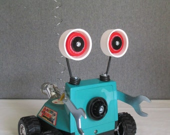 MS. PAC - Found object robot sculpture~assemblage