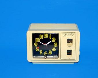 Retro Realistic Chronomatic-10 Boxy AM Alarm Clock Radio 12-1464 Radio Shack