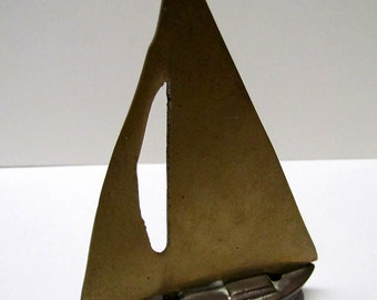 Vintage Brass Sailboat Figurine - Home Decor - Paperweight - Collectibles