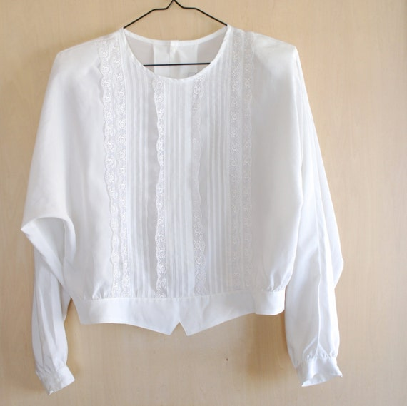 Vintage white lace blouse, back buttoned blouse, white retro ruffled blouse, white summer shirt, bat arms