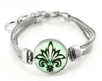 Fleur de Lis Bracelet - Mardi Gras Bracelet - Fleur de Lis Jewelry - Florentine Lily - Fleur de Lis Gift - Mardi Gras Gift - French Bracelet