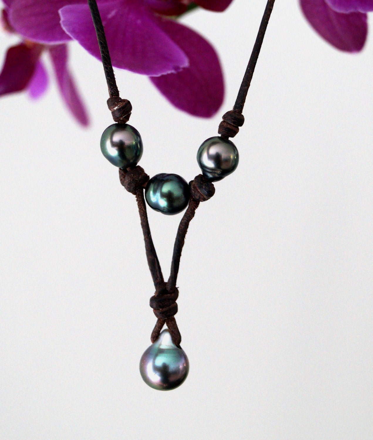 Genuine Tahitian Pearls Pendant Leather Necklace By PerlaMundi