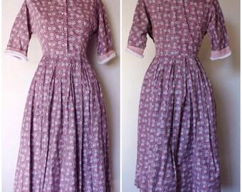 Vintage 1940s Dress | 50s Collar Dress | 1940s Novelty Print Dress | S - M