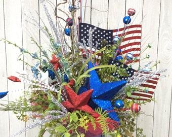 Patriotic Floral Arrangemnet, 4th of July Centerpiece, Americana centerpiece, 4th of July Wreath decor, patriotic centerpiece