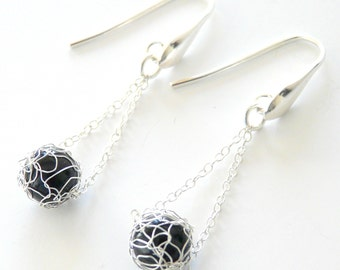 Wire crochet earrings - Knitting earrings - Crocheted earrings - black silver earrings - Onyx earrings - Jewelry made in France