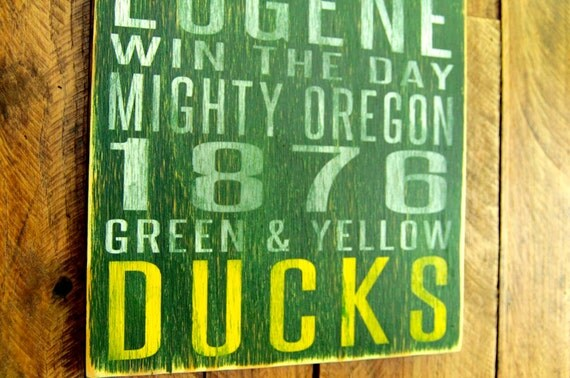 University of Oregon Ducks Distressed Wood Sign-Great Father's Day Gift!