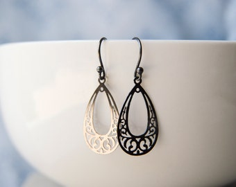 Leigh: Oxidized Silver Black Filigree Teardrop Boho Drop Earrings Open Art Deco Vintage Look Gift for Her Mom Sister GirlfriendTwoblindmice