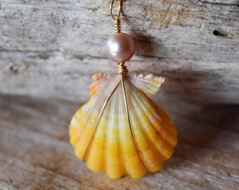 Sunrise shell with Pastel yellow and purple, Sunrise shell and Pearl necklace, Yellow Sunrise Shell