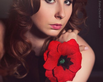 Felt poppy brooch in red - romantic brooch with feminine flower - hand felted brooch - red flower brooch - romantic jewelry for ladies [B2]