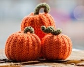 3 Knitted Pumpkins-Fall Autumn Decor-Harvest Ornament-Thanksgiving-Halloween Decoration-Orange Pumpkins-Rustic-Knitted Food-Candyfleece-UK