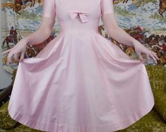 "50s Pink Dress | Vintage Dress | 50s Dress | 50s Pastel Dress | Shelf Bust | 50s Full Skirt | Nipped Waist  - XS SM Small 24""-25"" Waist"