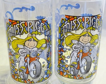 2)'The Great Muppet Caper!' Glasses Featuring Miss Piggy released by McDonalds, 1981.  Kermit, Fozzie,