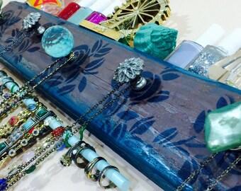 Necklace holder /reclaimed wood art wall hanging makeup organizer jewelry storage scarf hanger Art Deco flowers bracelet bar 2 hooks 5 knobs