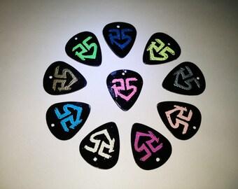 R5 Plastic Pick Necklaces (black)