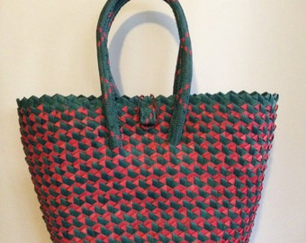 Hand Woven Market Beach Bag/Basket Tote - Green/Red