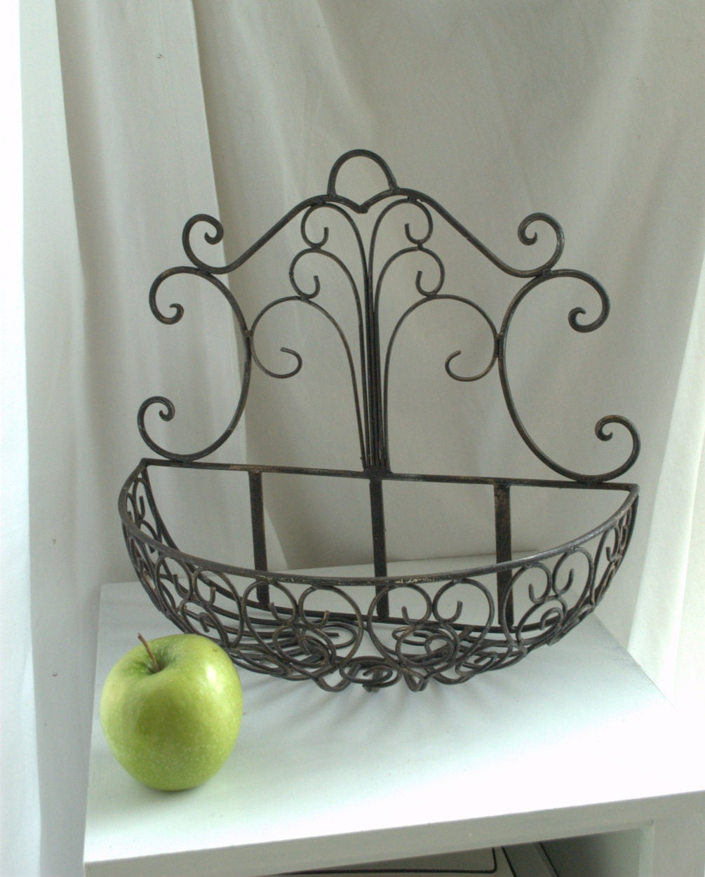Rustic Wrought Iron Wall Mounted Planter Basket Modern