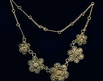 Vintage silver vermeil filigree flower link necklace. (nlvs741)
