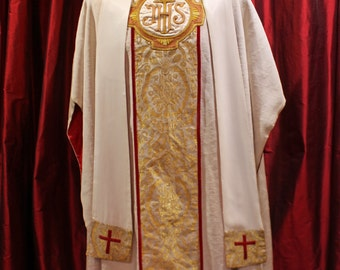 CHASUBLE of JACQUARDS and embroidered in gold thread - 1950's