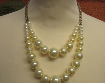 Vintage yellow & ivory large faux pearl double strand necklace