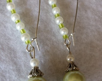 Green & White Glass Pearl Earrings   EAR31
