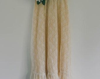 Cream Lace Skirt, Lined, Vintage Skirt