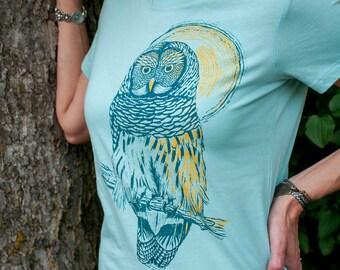 Wise Mr. Owl - women's owl bird t-shirt in seafoam/ocean blue