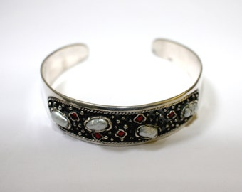 Silver Bracelet With Pearls & Garnets