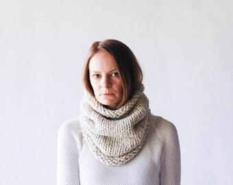 Chunky Knit Cowl Neckwarmer / THE KODIAK / Wheat