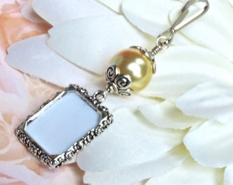 Vintage Style Bouquet Charm - Pearl Photo Charm for Bridal Bouquet - Wedding Keepsake Gift - Memorial Charm for Bouquet - Bridal Shower Gift