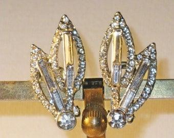 Vintage Clear Rhinestone Leaf Clip Earrings  (E-1-3)